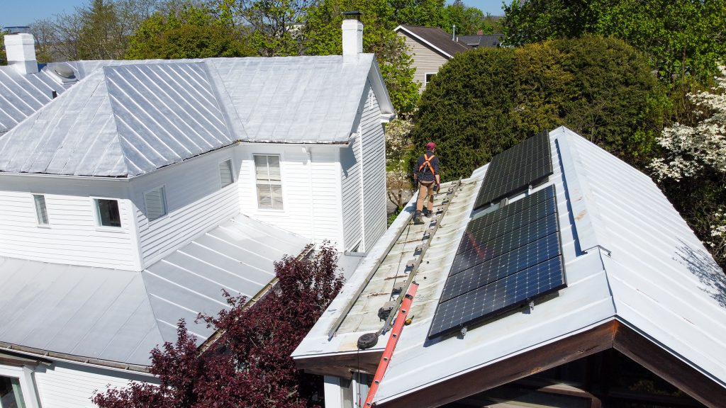 Baseline Solar working on removing panels